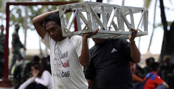 Indonesia busca sobrevivientes del tsunami
