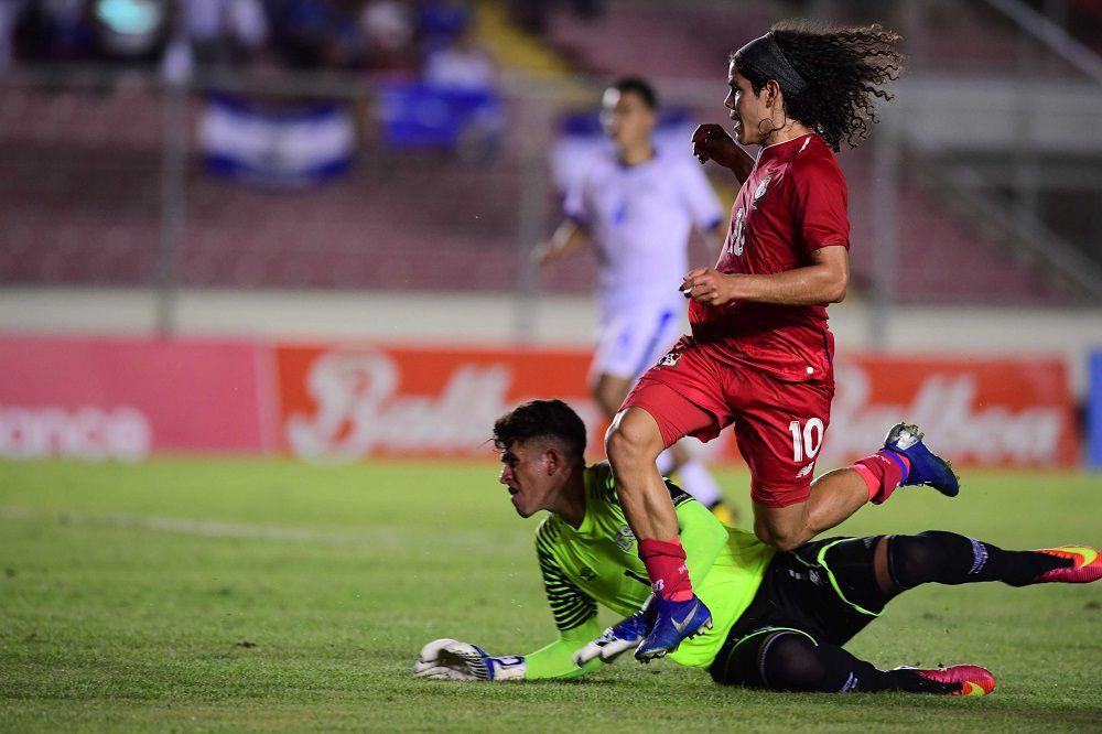 Dely Valdés dijo sentir pena por lo que pasó frente a El Salvador