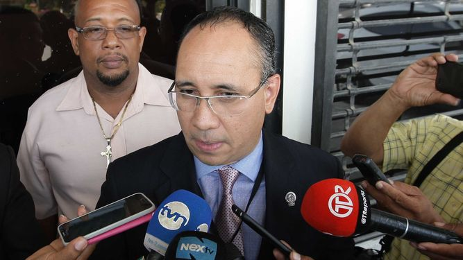 Attorney Ulloa withdraws prosecutors in the Odebrecht and Blue Apple cases