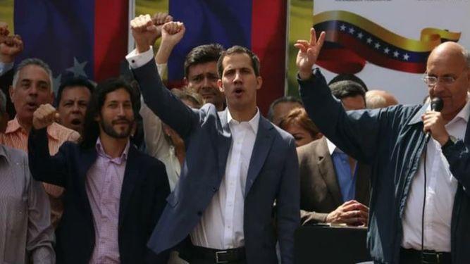 Diputado Juan Guaidó asume las competencias del presidente de Venezuela