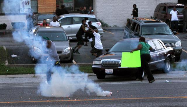 El gobernador de Misuri despliega la Guardia Nacional en Ferguson por disturbios