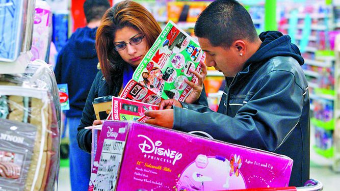 Consumidor mantiene confianza en febrero