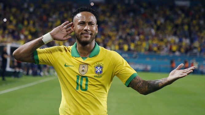 Caso Neymar: policía acusa a modelo de extorsión y calumnia