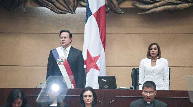 Yanibel Ábrego pedía ayuda a Juan Carlos Varela por auditorías del contralor
