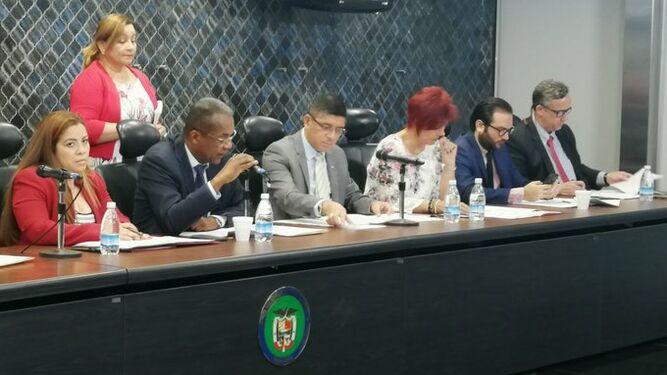 Comisión de Gobierno de la Asamblea prohija anteproyecto que modifica las regulaciones migratorias