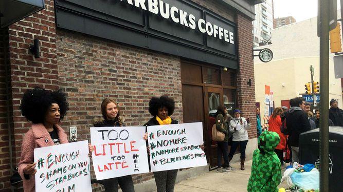 Starbucks cierra cafeterías en Estados Unidos para capacitar empleados