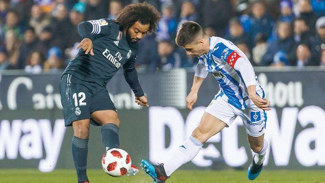 Real Madrid pierde, pero avanza y el Atlético dice adiós