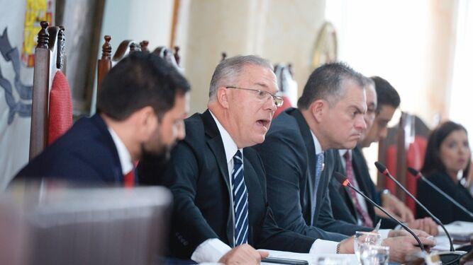 Alcalde José Luis Fábrega endurece sanciones y multas