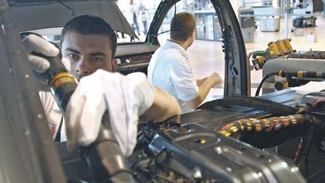Volkswagen elevará gasto en automóviles eléctricos