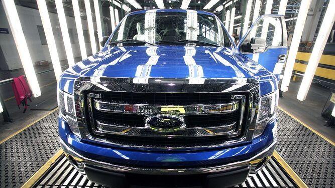Ford suprimirá 7 mil empleos; un 10% de su plantilla mundial