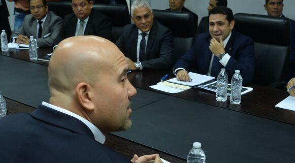 Del Rosario y Mirones comienzan reuniones de transición en el Ministerio de Seguridad