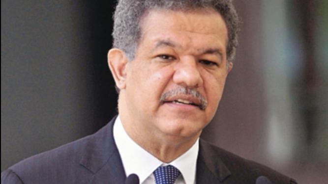 Leonel Fernández opta por cuarta vez a la Presidencia de República Dominicana