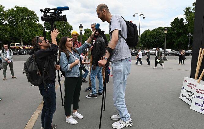 Los retos gigantescos del hombre más alto de Europa