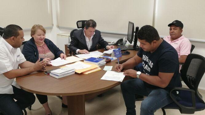 Ediles independientes de Los Santos y Herrera reciben subsidio