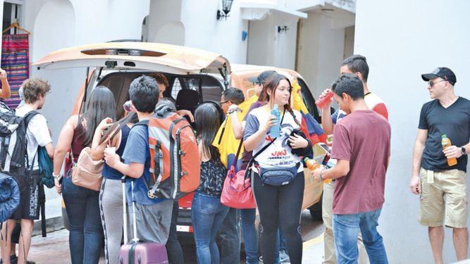 Apagón activa alarmas; masiva llegada de viajeros