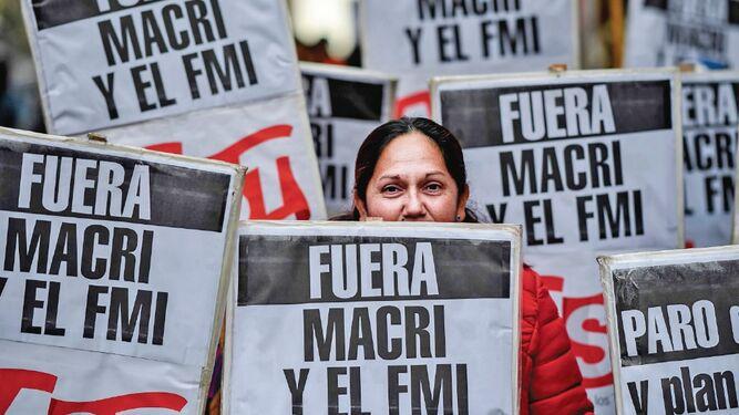 Banco argentino limita préstamos en pesos