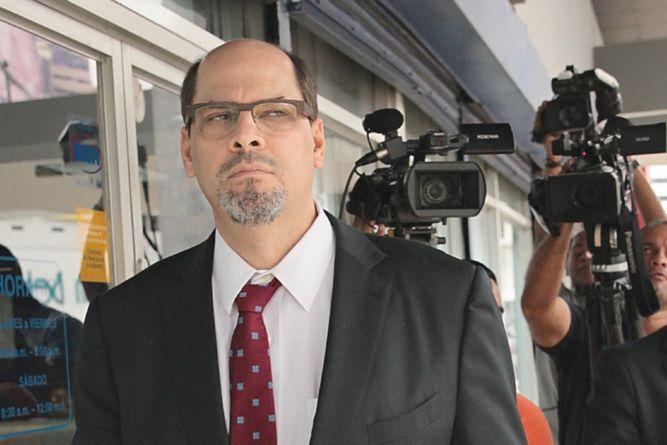 Mimito Arias abandona la carrera presidencial