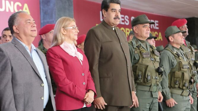 'Estamos de pie, vivos y victoriosos', asegura Nicolás Maduro