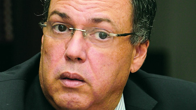 Acusan a Ayú Prado de idear plan para legalizar pinchazos