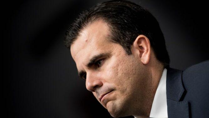 Miles de personas piden renuncia del gobernador de Puerto Rico