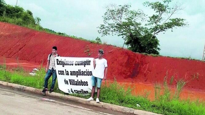 Piden vía a cuatro carriles en Villalobos