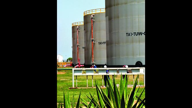 Pdvsa abandona planta petrolera