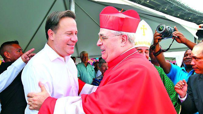 Gobierno dona millones de dólares a la Iglesia católica