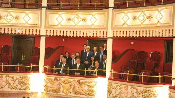 Varela y sus ministros recorren el Teatro Nacional