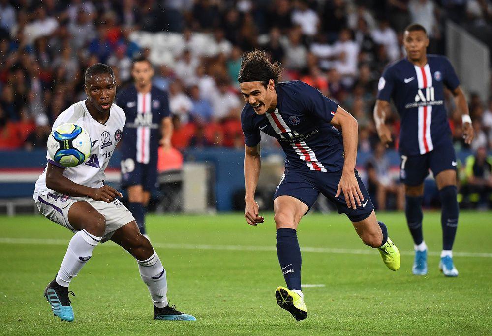 PSG golea al Toulouse, pero pierde a Cavani y Mbappé por lesión