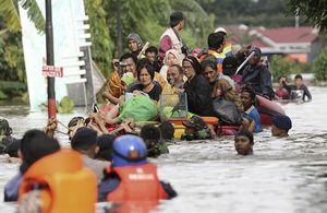 Al menos 59 muertos en Indonesia por inundaciones y deslizamientos