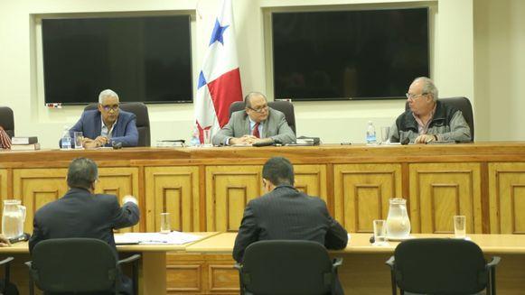 Pleno de la Corte se declara en sesión permanente para discutir amparo de Martinelli