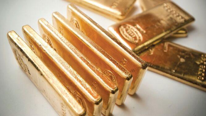 Onza de oro supera los mil 500 dólares