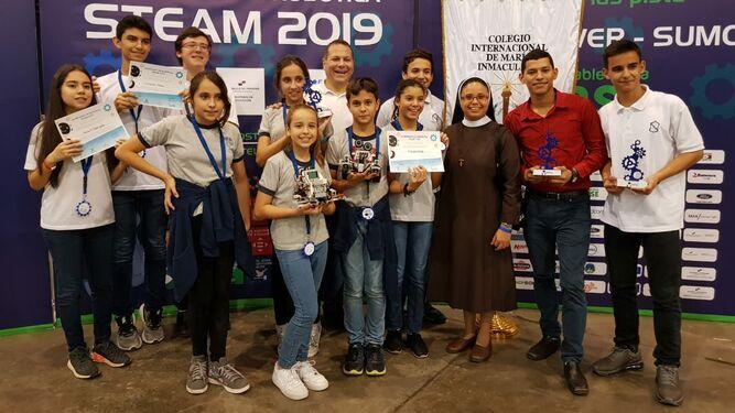 Jóvenes buscan en la ciencia y robótica opciones para el desarrollo sostenible