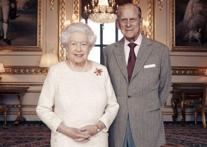 La reina Isabel II y el príncipe Felipe festejan su aniversario 70