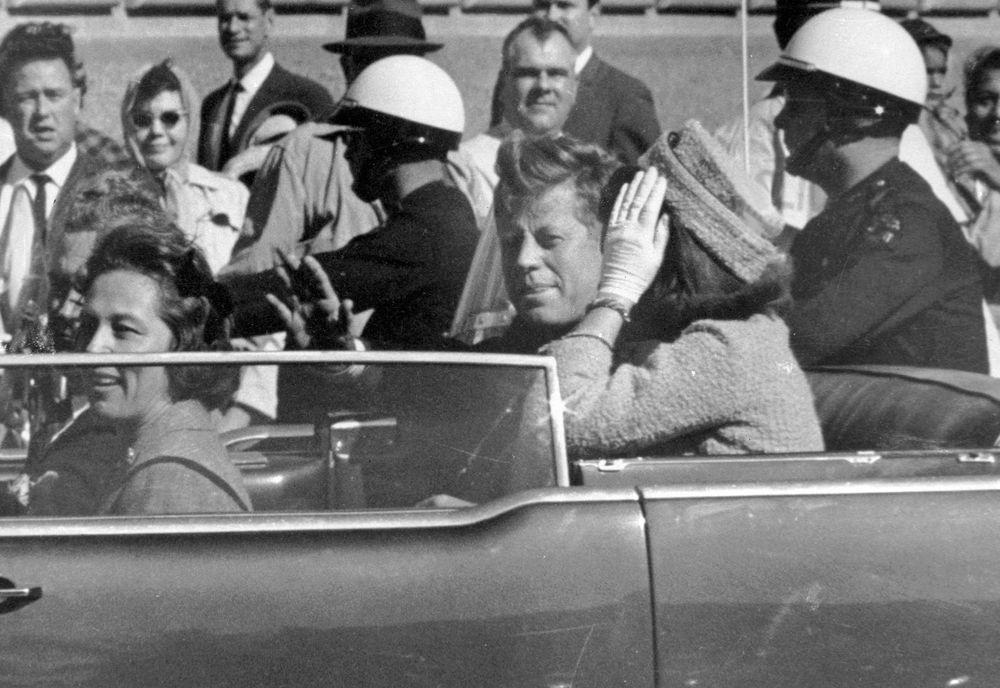 Detalles enigmáticos, pero no explosivos en archivos sobre asesinato de Kennedy