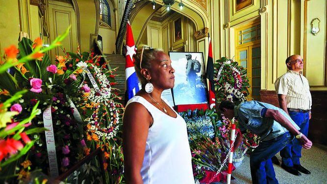 Las cenizas de Fidel Castro salen hacia Santiago