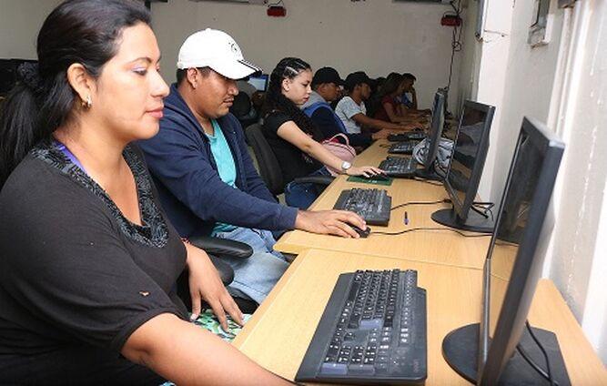 Inadeh comienza capacitaciones con más de mil 400 cursos