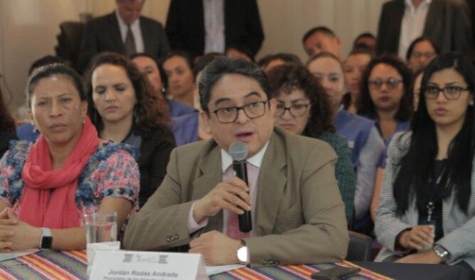 Defensor del pueblo denuncia boicot oficial con recorte presupuestario