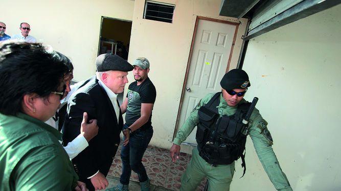 Juez mantiene arresto de Fifer