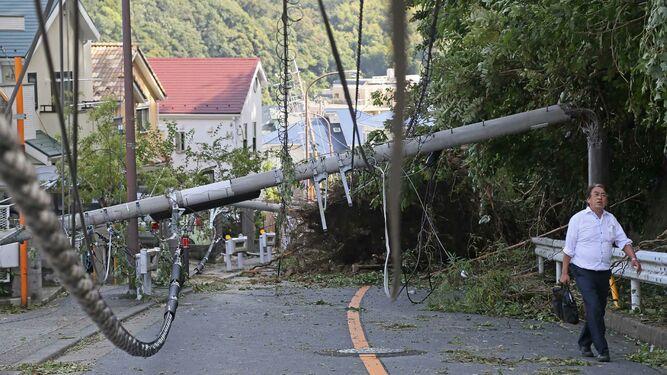 Dos muertos y decenas de heridos en Tokio tras el paso de un tifón