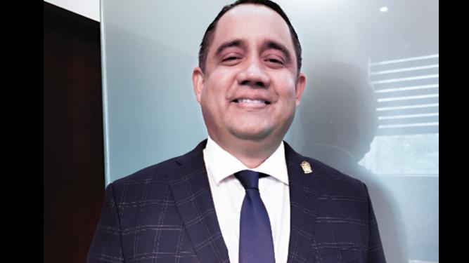 'Ningún diputado ha faltado a la ética', Marcos Castillero