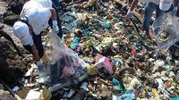 Cientos de voluntarios participaron de la 'gran limpieza' de playas y ríos