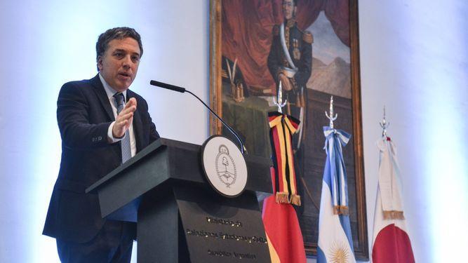 Ministro de Economía de Argentina fue hospitalizado