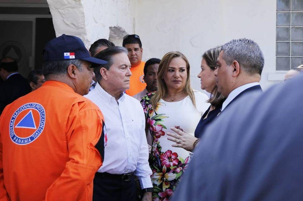 El presidente Laurentino Cortizo visita a estudiantes que regresaron de China