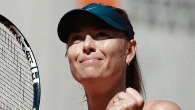 Serena y Sharapova regresan con victoria
