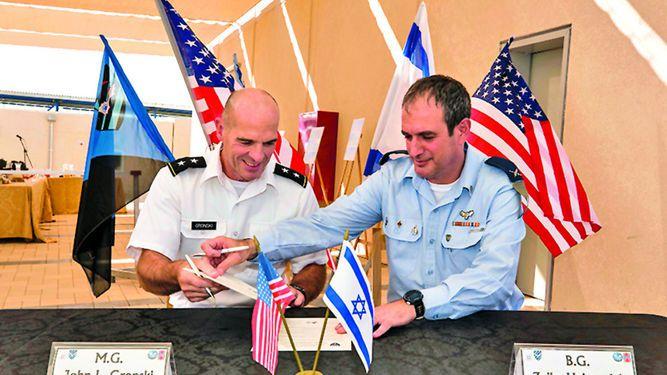Abren primera base militar de Estados Unidos en Israel