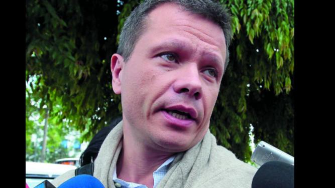 West Valdés denuncia a embajador en Dominicana