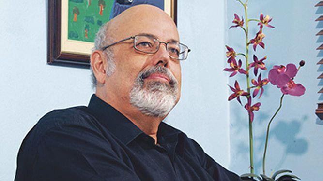 Festival de Poesía Ars Amandi rinde homenaje a Raúl Leis