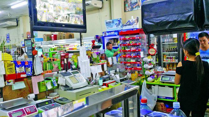 Abarroterías superan a los supermercados