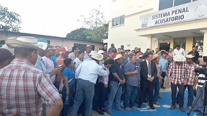 Jueza declara ilegal detención de seis productores agropecuarios